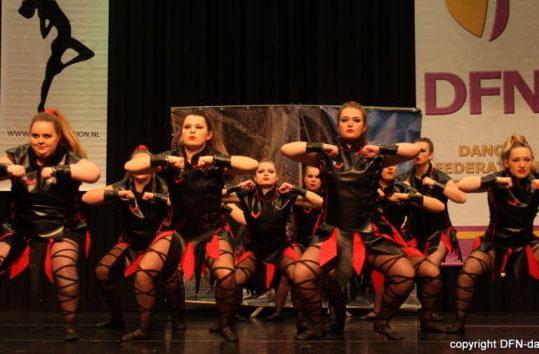KARAKTER DV DANCE ACTION 01